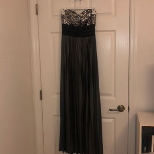 Strapless platinum gown with sequined top